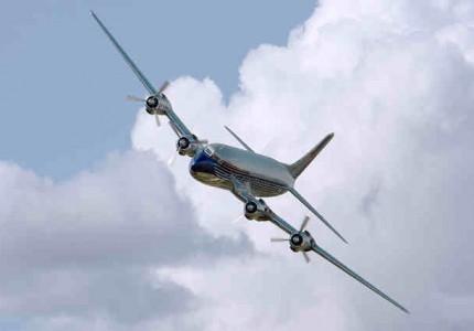 come volano gli aerei